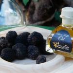 Λάδι μαύρης τρούφας και φρέσκιες καλοκαιρινές τρούφες (Tuber Aestivum)