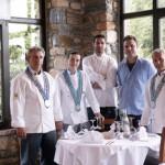 Νικος Αθανασιάδης και Παναγιώτης ιωαννίδης με μέλη του Chef Club Αθηνών